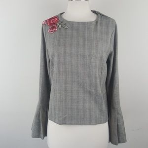 Harlowe & Graham Grey Stitched Floral Top sz S